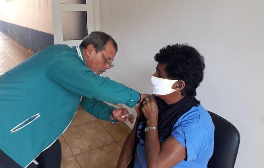Prosigue la campaña de vacunación del IPS