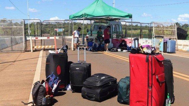 El gobierno de Brasil extiende el cierre de las fronteras terrestres por otros 30 días