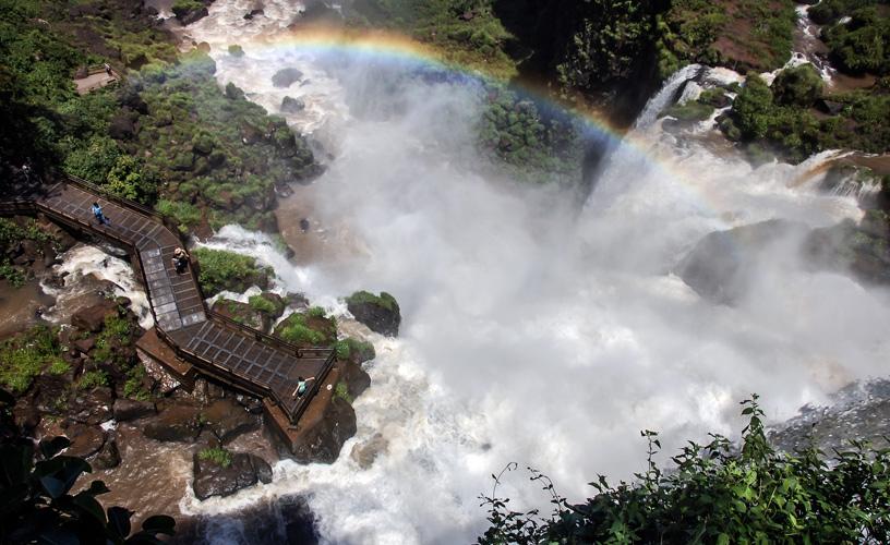 Iguazú uno de los 3 destinos más buscados para la probable temporada de verano por los argentinos
