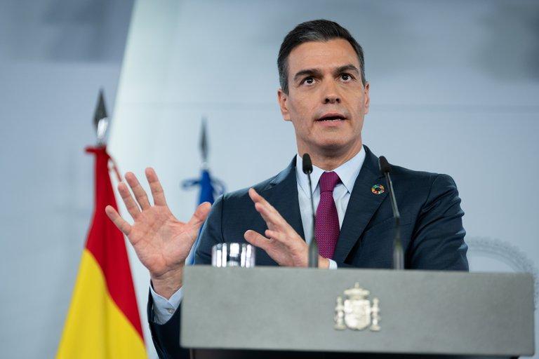 España planea limitar a seis personas las reuniones familiares en Navidad e imponer un toque de queda a la 1:00 AM