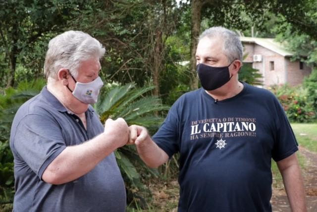 """""""El bambú es la madera del futuro en Misiones"""", consideró Passalacqua en visita a productores de San Ignacio"""