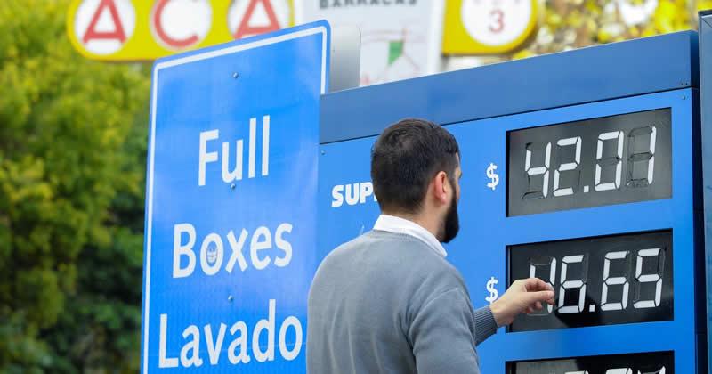Combustibles ¿Cuánto aumentaron en el primer año de Macri y en el de Fernández?