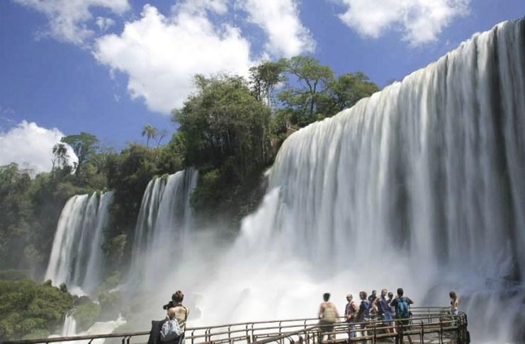 Los valores para el ingreso al Parque Iguazú varían según la categoría de los visitantes