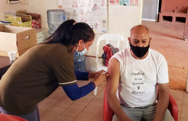 Vacunación anticovid: ya inscriben para el grupo de entre 50 y 59 años