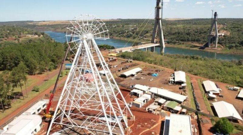Avanza la obra de la rueda gigante en Foz de Iguaçu