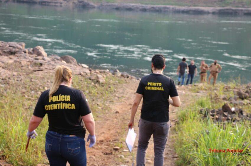 Hallan a una mujer decapitada con el vientre lleno de piedras en el río Paraná